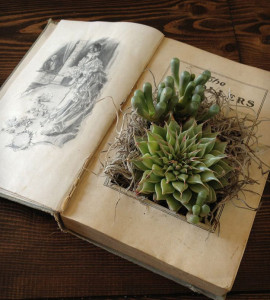 DIY-Projects-Repurposed-Crafts-Made-From-Old-Books-2
