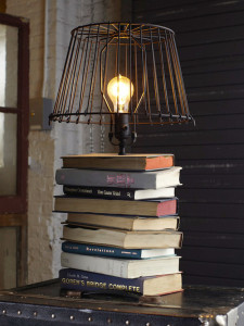 DIY-Projects-Repurposed-Crafts-Made-From-Old-Books-4