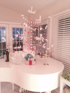 Glitterville curlicue tree